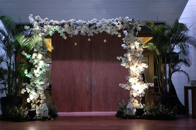 The Wedding of Marshal & Maya - Grand Hyatt on Five by The Swan Decoration - 023