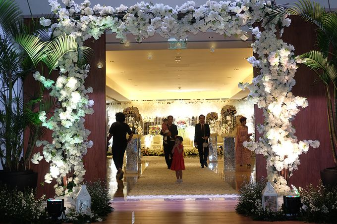 The Wedding of Marshal & Maya - Grand Hyatt on Five by The Swan Decoration - 024