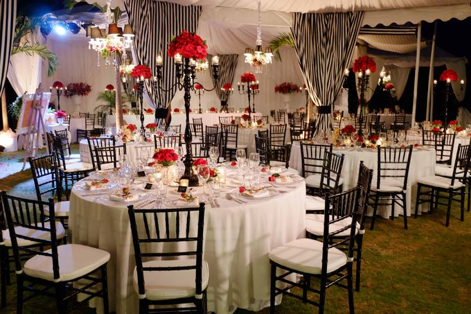 Wedding and Dinner of Christopher & Nindy by The Royal Santrian Luxury Beach Villa - 014