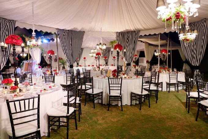 Wedding and Dinner of Christopher & Nindy by The Royal Santrian Luxury Beach Villa - 015