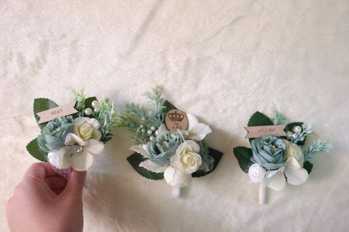boutonnieres by 1501 - 001