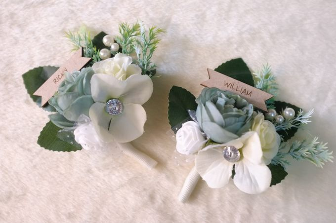 boutonnieres by 1501 - 002