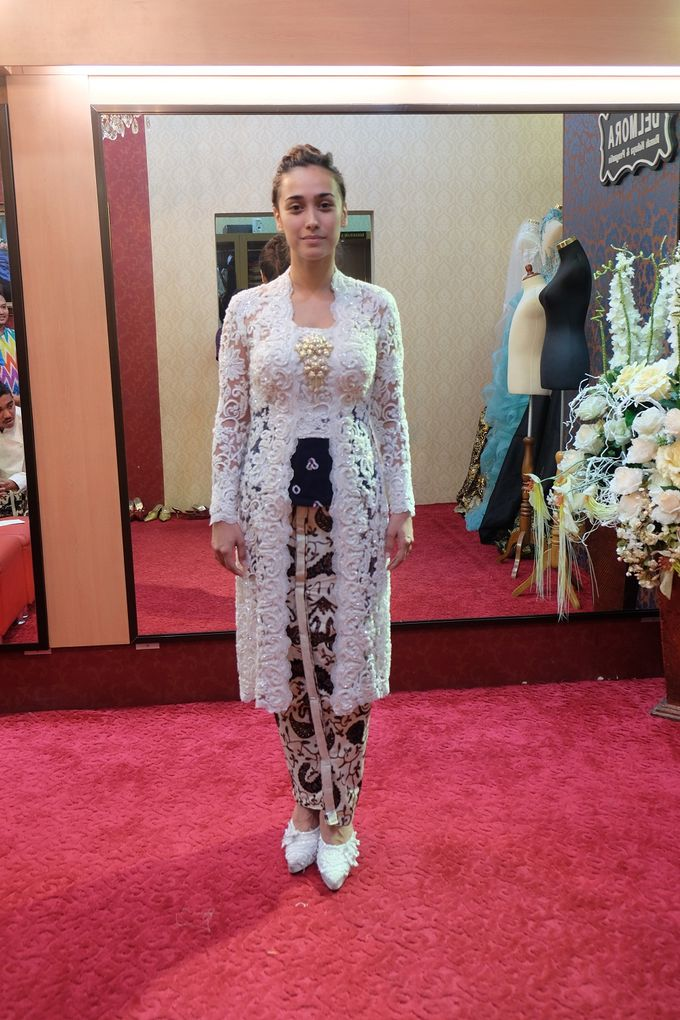 WEDDING CEREMONY KEBAYA MODERN / TRADISIONAL by DELMORA - 004