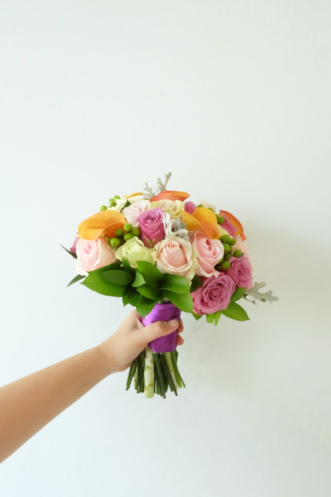 Tropical Blush Beach Bouquet by Il Fiore - 002