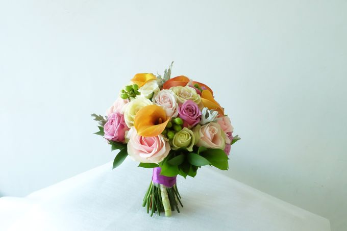 Tropical Blush Beach Bouquet by Il Fiore - 004