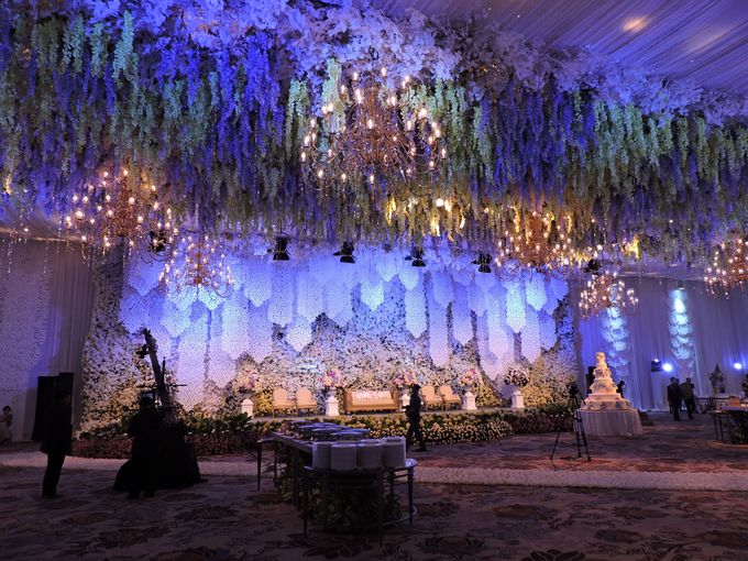 Michael jennifer wedding by fairmont jakarta bridestory add to board michael jennifer wedding by suryanto decoration 002 junglespirit Gallery