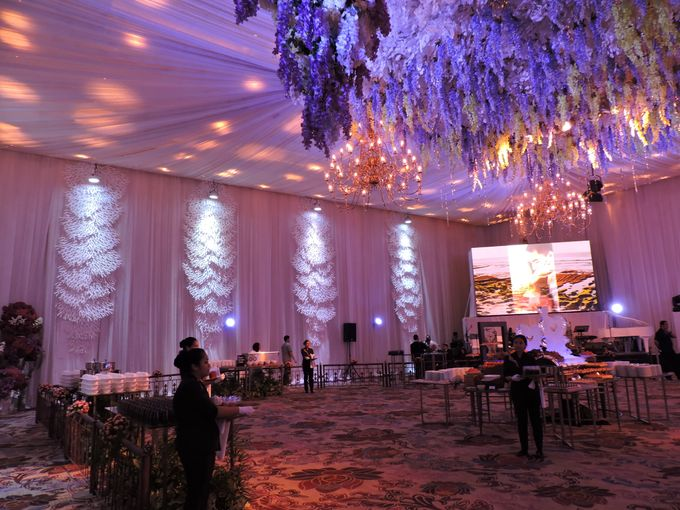 Michael jennifer wedding by fairmont jakarta bridestory add to board michael jennifer wedding by suryanto decoration 004 junglespirit Gallery