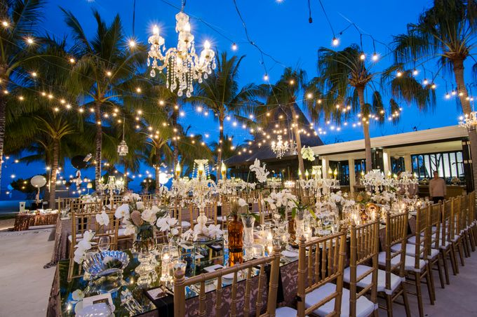 Luxury Wedding Venue With Private Beach: Wedding Dinner Reception By The Royal Santrian Luxury