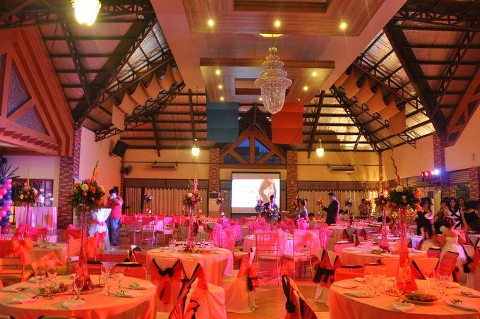 Ballroom Venue - 150-200 guests capacity by Water Nymph Resort - Events Venue - 007