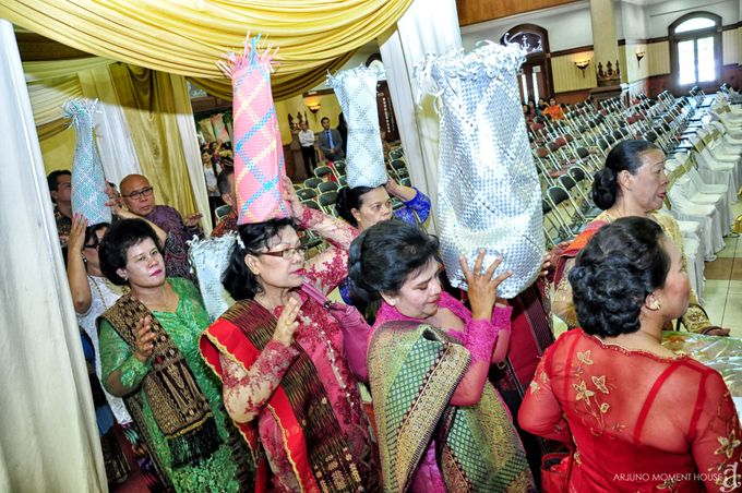 Wedding Batak by ARJUNO MOMENT HOUSE - 013