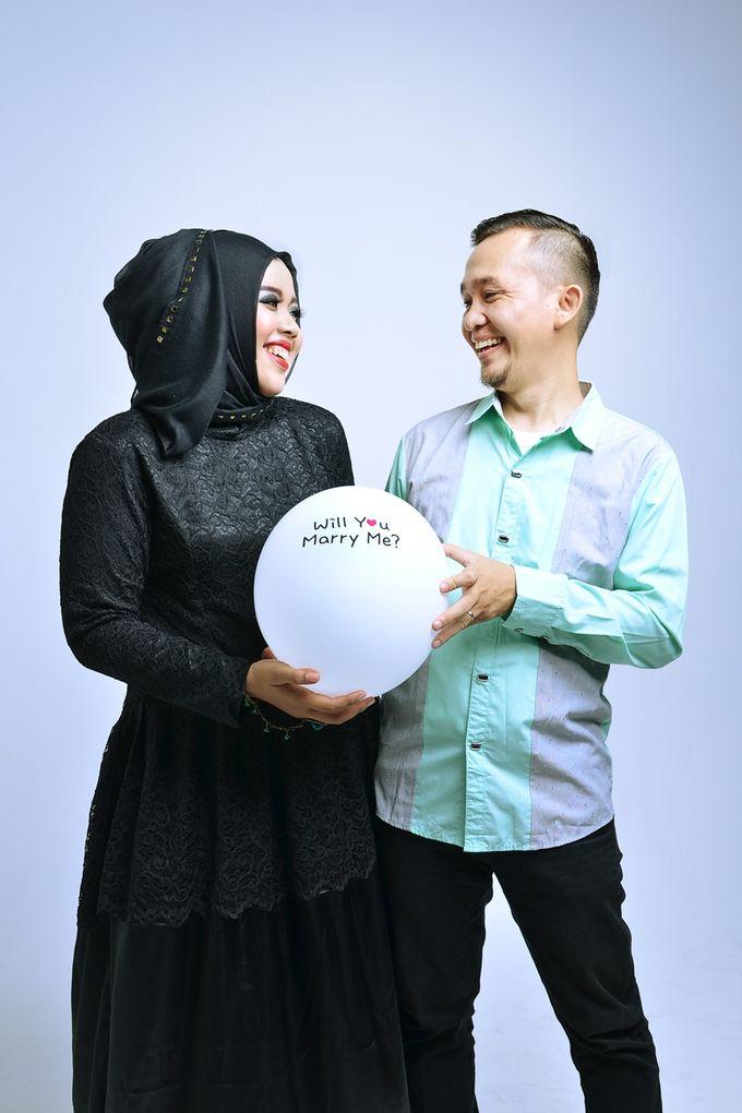 Prewedding Widya & Hafid at Beranda Photo Studio by BERANDA PHOTOGRAPHY - 009