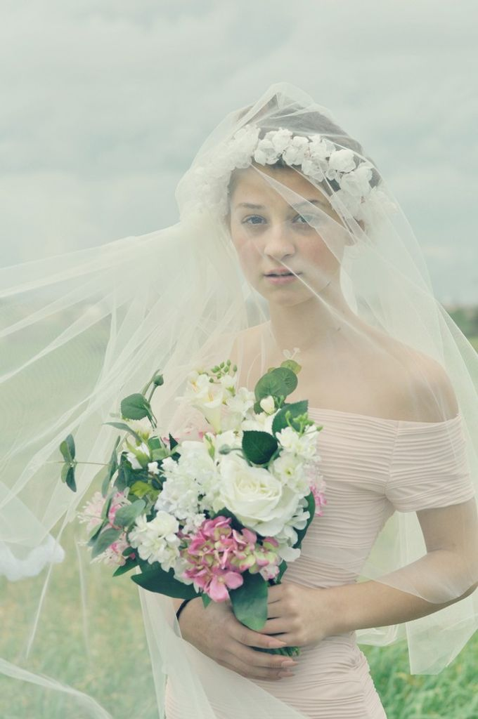 Exclusive bridal hair accessories for new season by Weddingbliss - 003