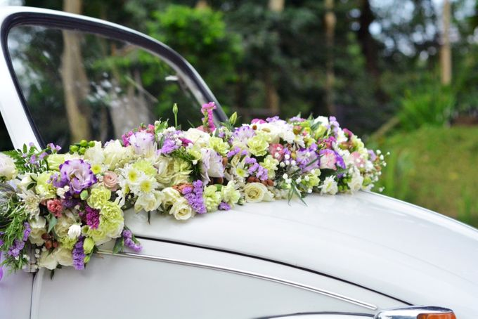 Bridal Car by Dave and Khey Floral Arrangement - 001
