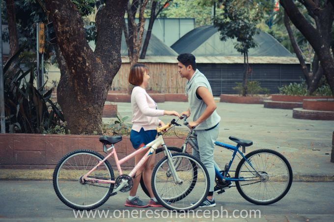 Stephen and Leticia - E-Session by One Resonance Photography and Multimedia - 010