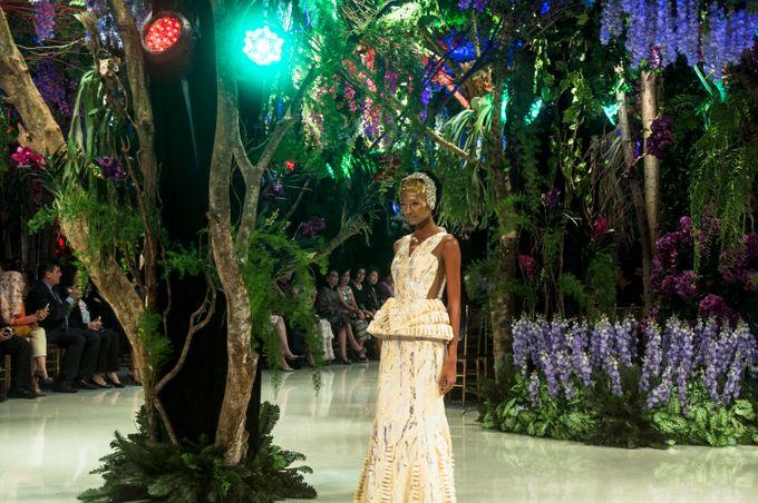 Fashion Show Sebastian Gunawan A Mid Summer Night Dream by Etcetera Lighting - 004