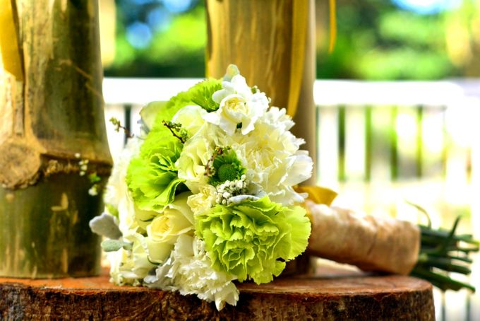 Wedding by Dave and Khey Floral Arrangement - 002
