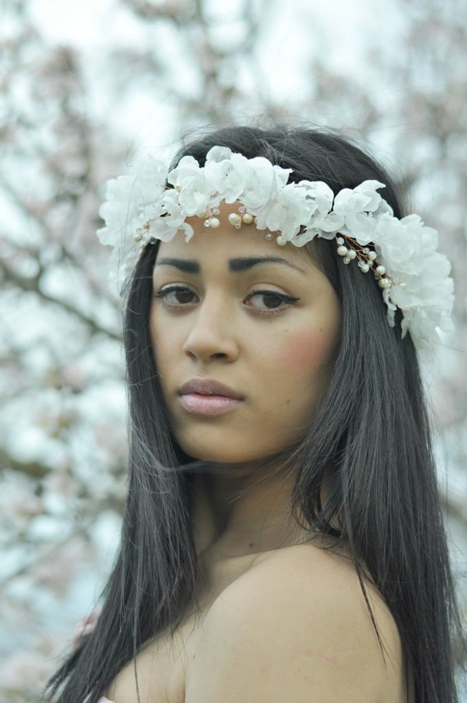 Exclusive bridal hair accessories for new season by Weddingbliss - 008