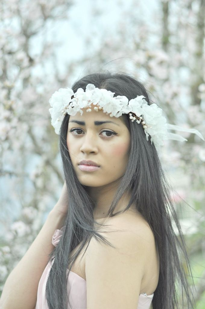 Exclusive bridal hair accessories for new season by Weddingbliss - 009