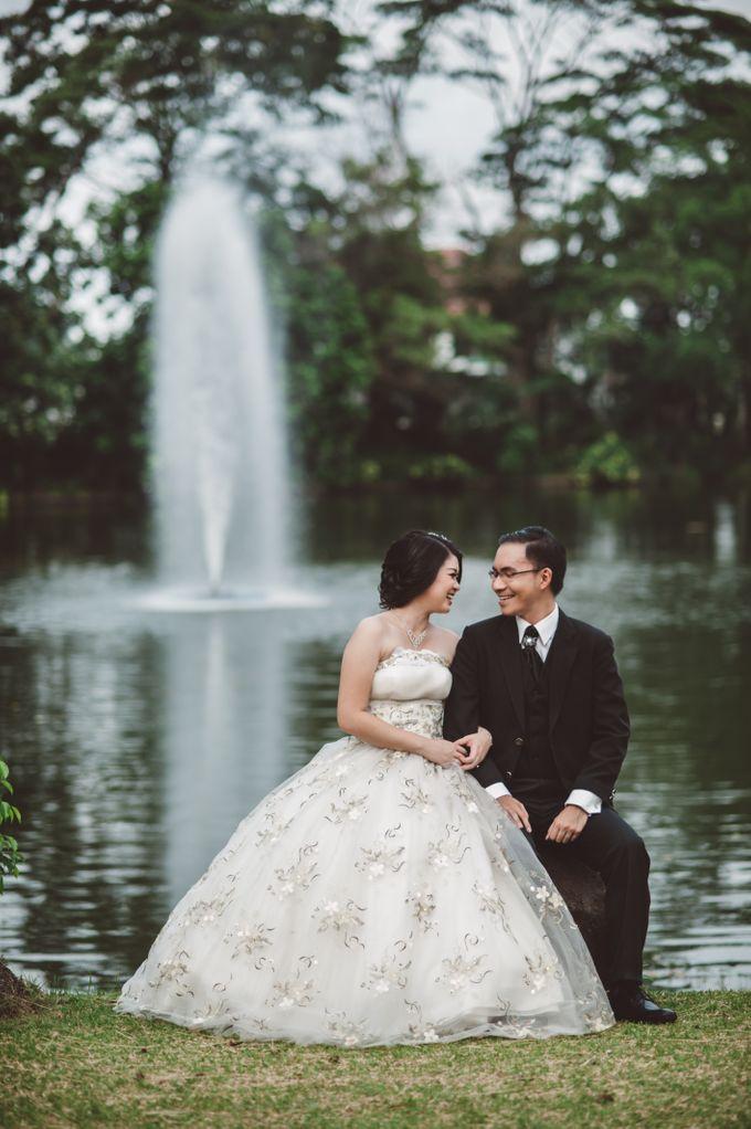 prewedding outdoor amel & felix by Francis'k Bride - 007