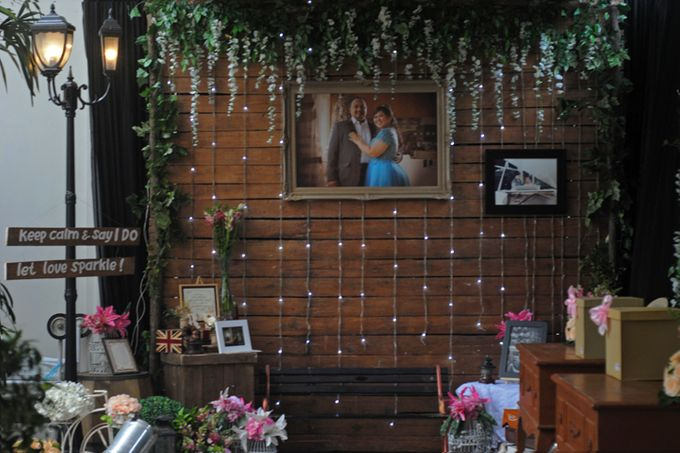 Wedding decoration at poolside by sheraton bandung hotel towers add to board wedding decoration at poolside by sheraton bandung hotel towers 002 junglespirit Choice Image
