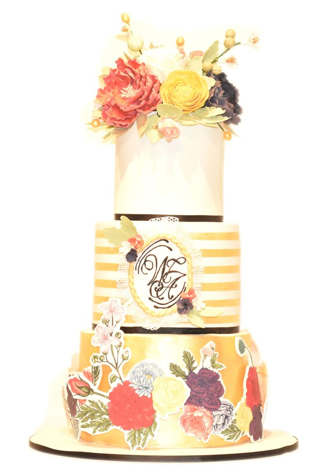 Three Tier Pop-Up Style by Ivoire Cake Design - 001