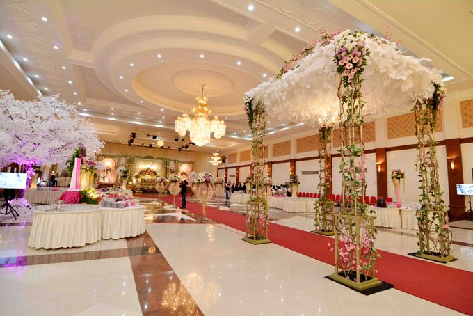 Wedding Decoration by BRAJA MUSTIKA Hotel & Convention Centre - 007