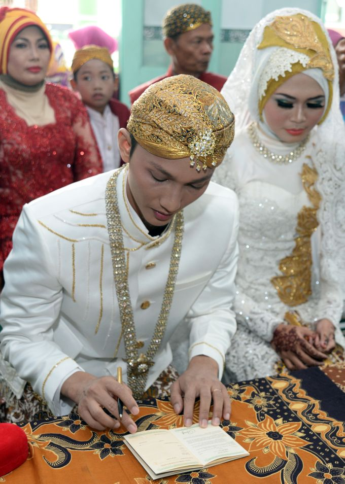 wedding Arief & Desty by WINOZ PHOTOVIDEOGRAPHY - 006