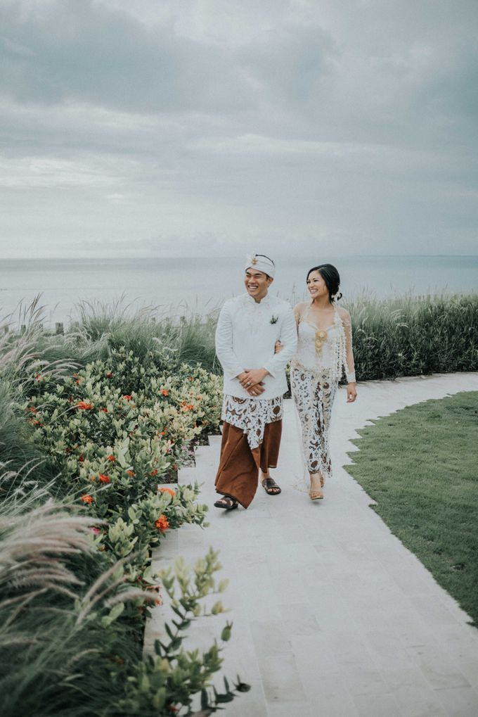 Andrew & Mylene Beautiful Wedding in Bali by Lis Make Up - 002