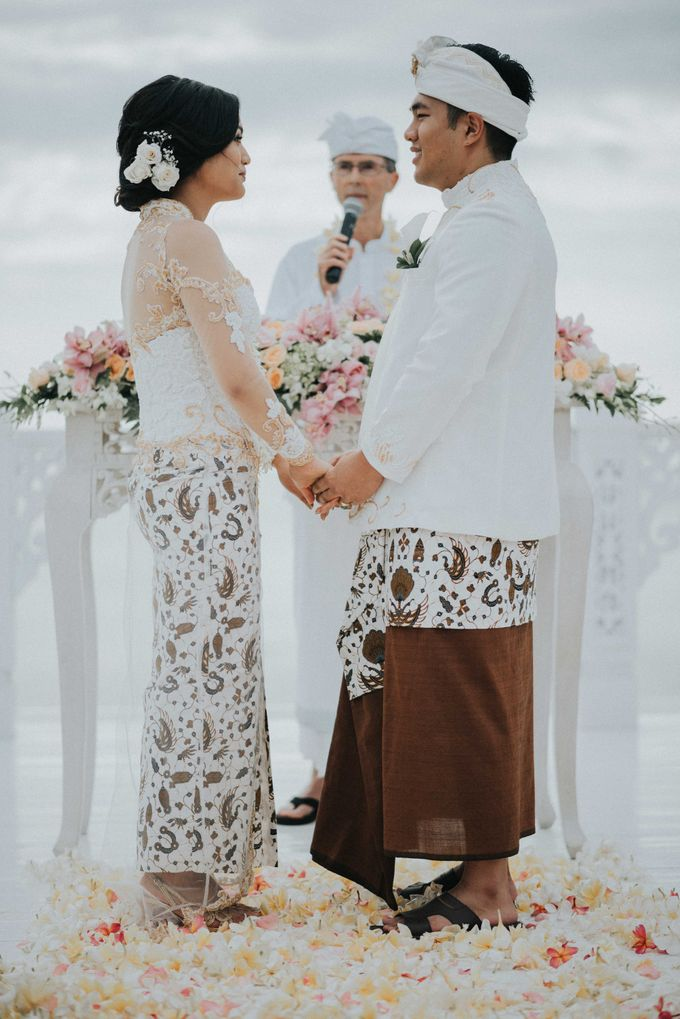 Andrew & Mylene Beautiful Wedding in Bali by Lis Make Up - 003