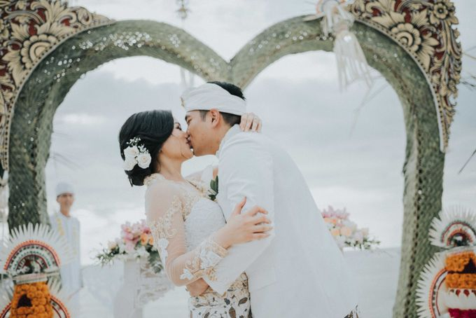 Andrew & Mylene Beautiful Wedding in Bali by Lis Make Up - 009