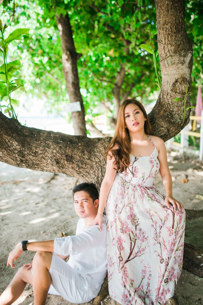 Christian and Cat Engagement by Raychard Kho Photography - 004