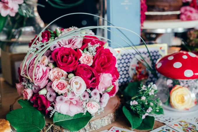 Madhatter's Party Themed Shoot x Melissa Koh by Ever & Blue Floral Design - 001