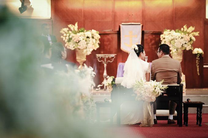 Henny & Erwin Wedding by Yoga Septa Make Up Artist - 007