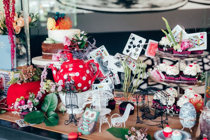 Madhatter's Party Themed Shoot x Melissa Koh by Ever & Blue Floral Design - 002