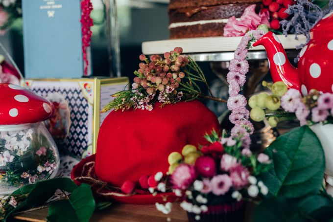 Madhatter's Party Themed Shoot x Melissa Koh by Ever & Blue Floral Design - 004