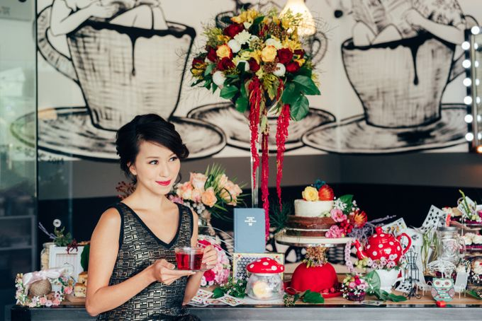 Madhatter's Party Themed Shoot x Melissa Koh by Ever & Blue Floral Design - 006