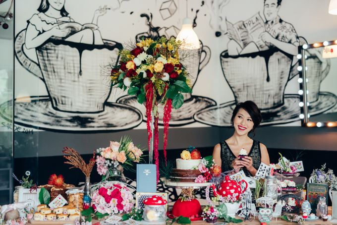 Madhatter's Party Themed Shoot x Melissa Koh by Ever & Blue Floral Design - 008