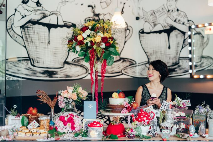 Madhatter's Party Themed Shoot x Melissa Koh by Ever & Blue Floral Design - 009