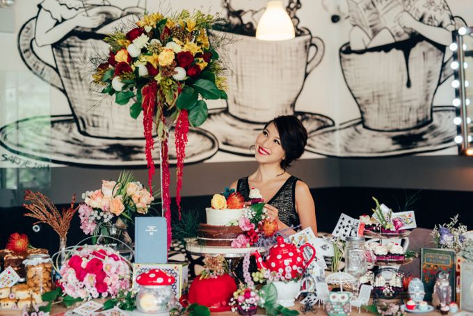 Madhatter's Party Themed Shoot x Melissa Koh by Ever & Blue Floral Design - 010