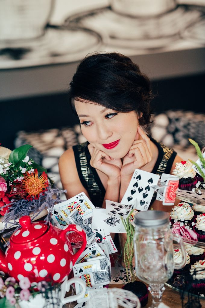 Madhatter's Party Themed Shoot x Melissa Koh by Ever & Blue Floral Design - 014