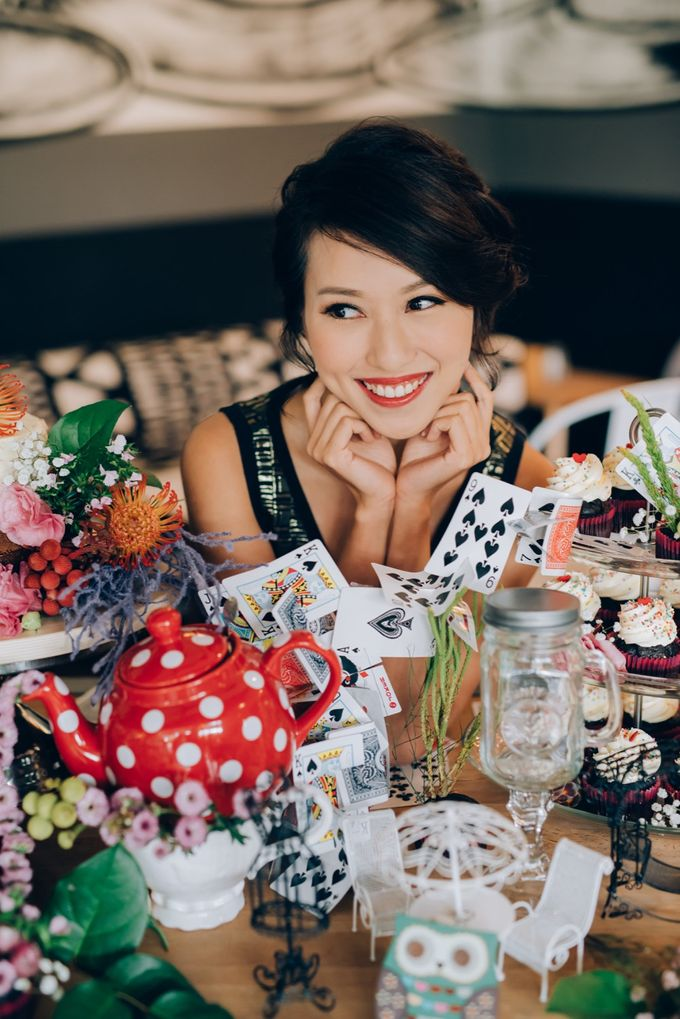 Madhatter's Party Themed Shoot x Melissa Koh by Ever & Blue Floral Design - 015