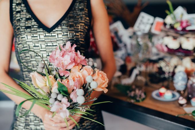 Madhatter's Party Themed Shoot x Melissa Koh by Ever & Blue Floral Design - 019