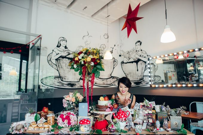 Madhatter's Party Themed Shoot x Melissa Koh by Ever & Blue Floral Design - 021