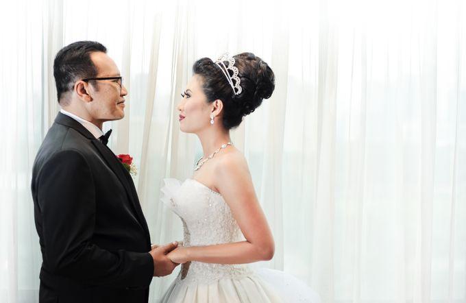 Henny & Erwin Wedding by Yoga Septa Make Up Artist - 004