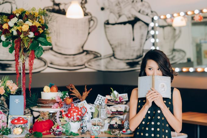 Madhatter's Party Themed Shoot x Melissa Koh by Ever & Blue Floral Design - 023