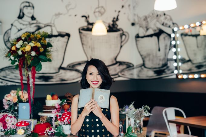 Madhatter's Party Themed Shoot x Melissa Koh by Ever & Blue Floral Design - 024