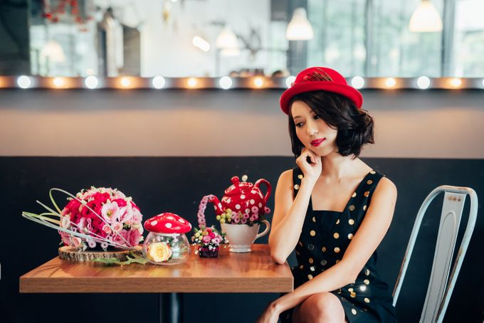 Madhatter's Party Themed Shoot x Melissa Koh by Ever & Blue Floral Design - 025