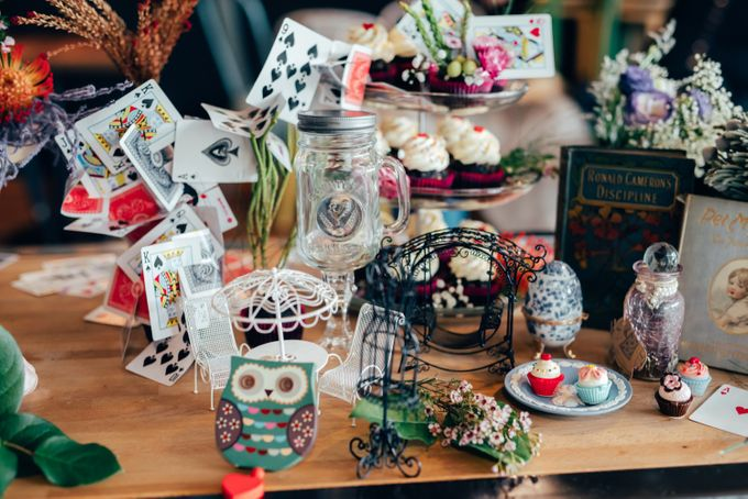 Madhatter's Party Themed Shoot x Melissa Koh by Ever & Blue Floral Design - 033