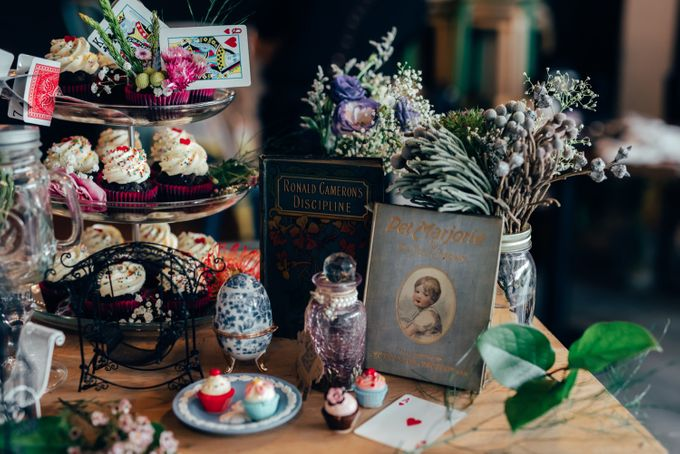 Madhatter's Party Themed Shoot x Melissa Koh by Ever & Blue Floral Design - 034