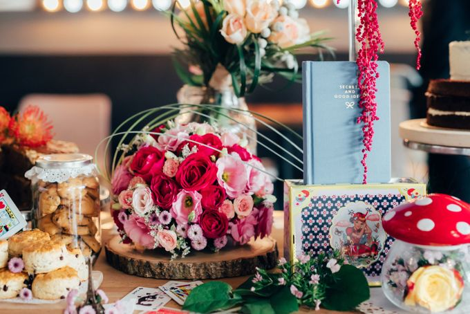 Madhatter's Party Themed Shoot x Melissa Koh by Ever & Blue Floral Design - 036